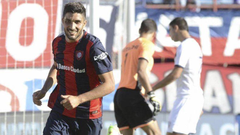 El goleador Nicolás Blandi es una de las piezas clave que presenta esta noche San Lorenzo.