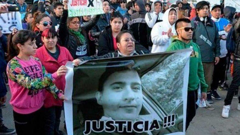 Caso Gerez: procesaron a comisario y ordenaron una nueva autopsia