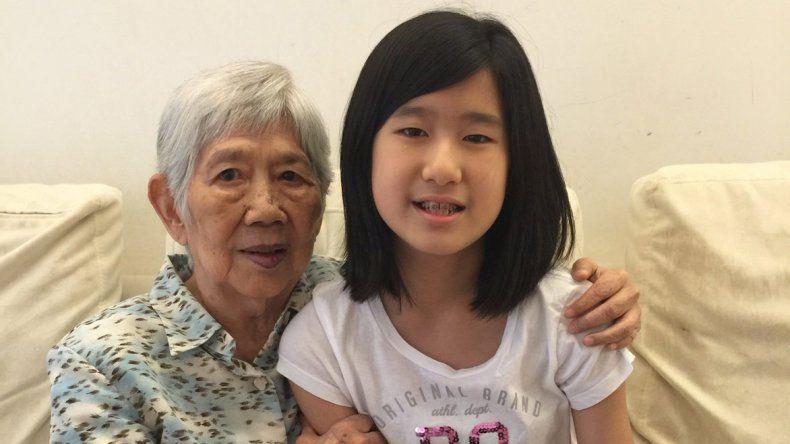 La  niña que creó una app para comunicarse con su abuela que sufre de Alzheimer