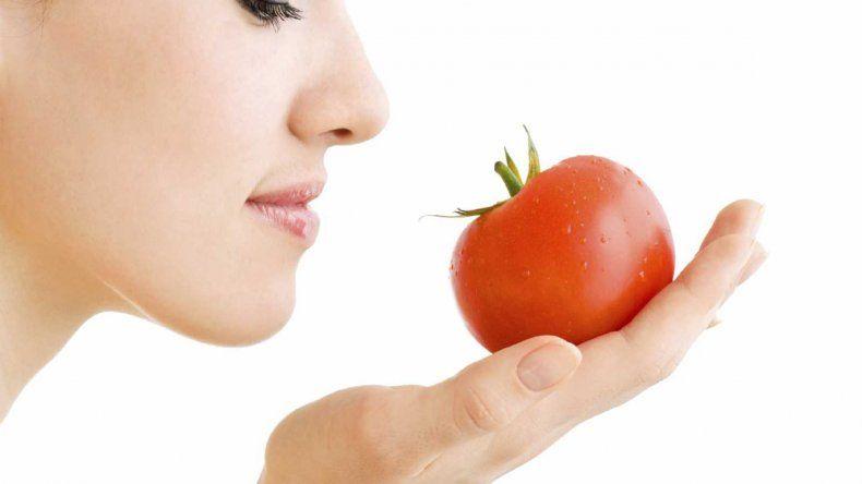 Top 5 alimentos que te protegen contra la radiación solar