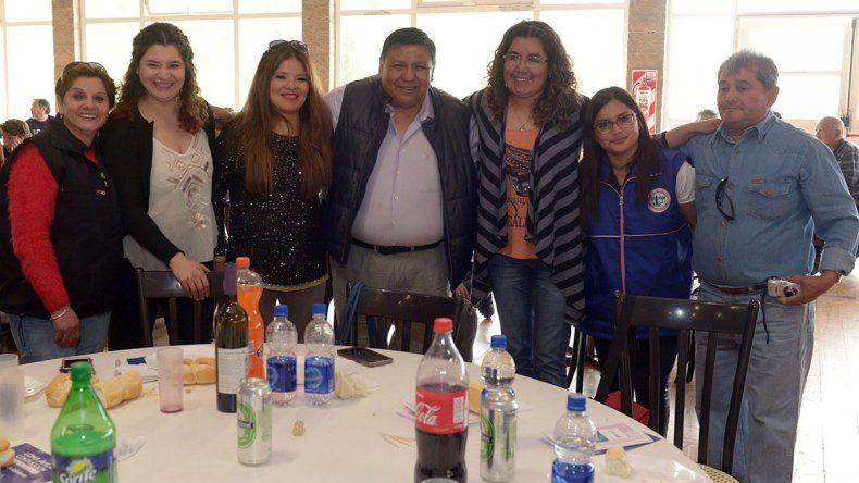 El agasajo a las madres petroleras se realizó en el Parque Saavedra.