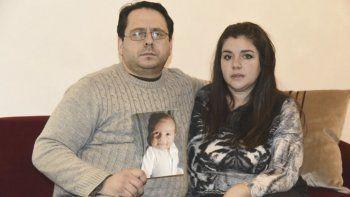 Víctor y Paola, los padres de Nicolás Russo reclaman justicia para su hijo.