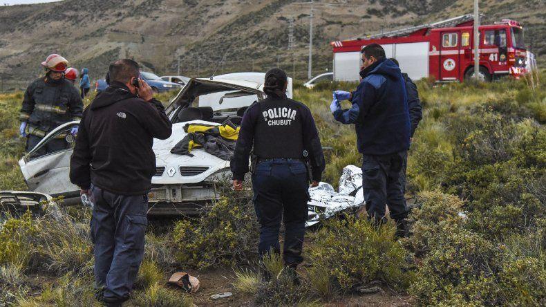 El Renault Mégane en el que viajaba Jorge De la Serna dio al menos cuatro tumbos campo abajo.