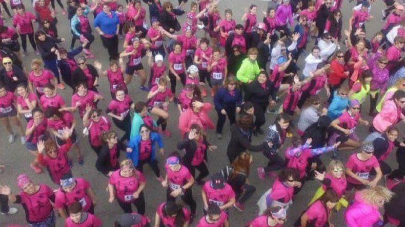 Cerca de 800 mujeres participaron en la Carrera de la mujer