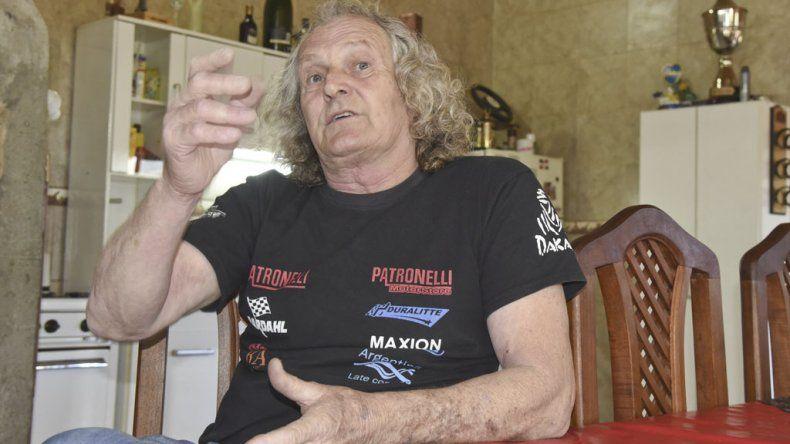 Eduardo Frkovich fue destacado por los habitantes de la calle Carlés de Kilómetro 8 por su valentía en el incendio del martes al mediodía. El dice que hizo lo que haría cualquier vecino.