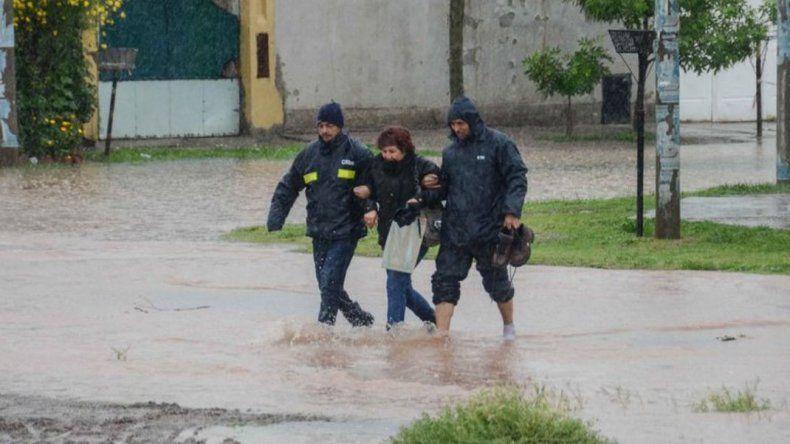 Temporal en Neuquén: hay evacuados y suspendieron las clases