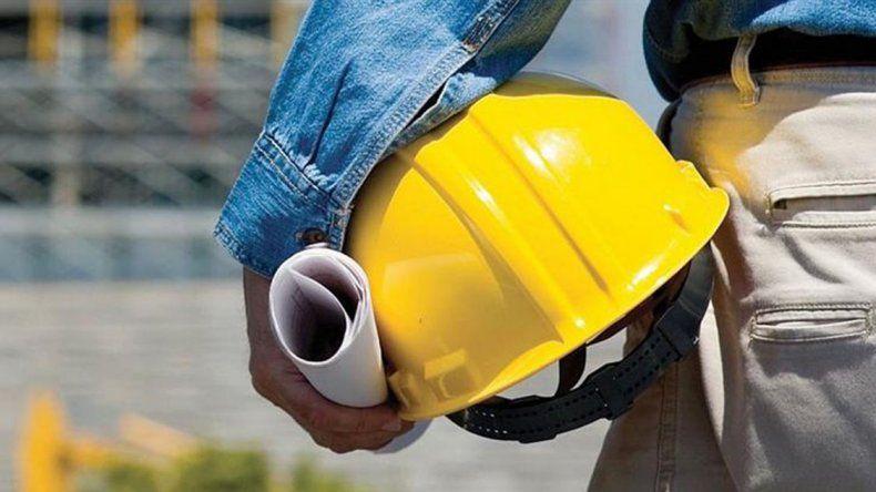 Empleo en la construcción tocó fondo: cayó 12%, pero muestra un freno