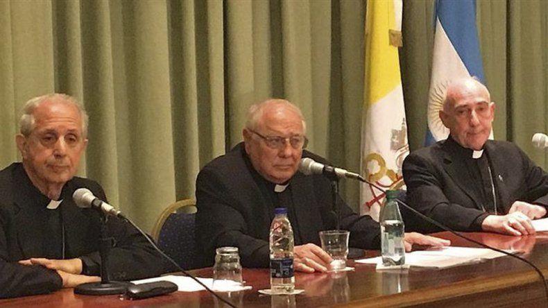 El anuncio de la apertura de los archivos lo hicieron el cardenal Mario Poli