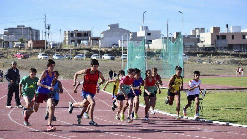 Los chicos están listos para el Regional de atletismo promocional que se llevará a cabo el sábado.