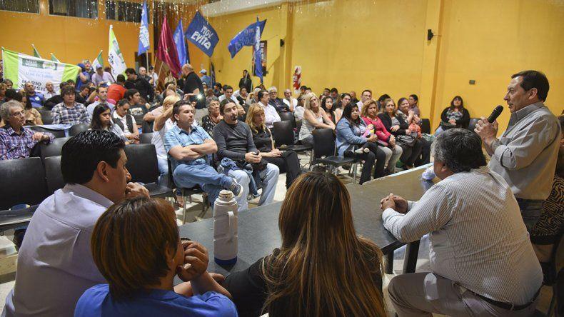 El acto que la lista Celeste y Blanca desarrolló ayer en Comodoro Rivadavia.