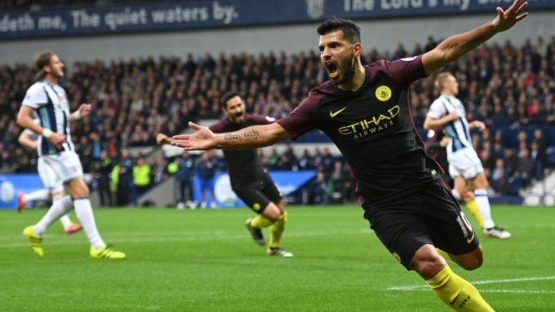 El Manchester City se recuperó con dos goles de Agüero