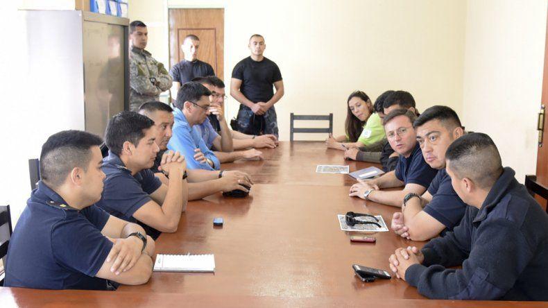 En la Unidad Regional de Policías los titulares de distintas dependencias junto a personal del Departamento de Tránsito y la Agencia Provincial de Seguridad Vial ultimaron detalles del operativo para el partido.