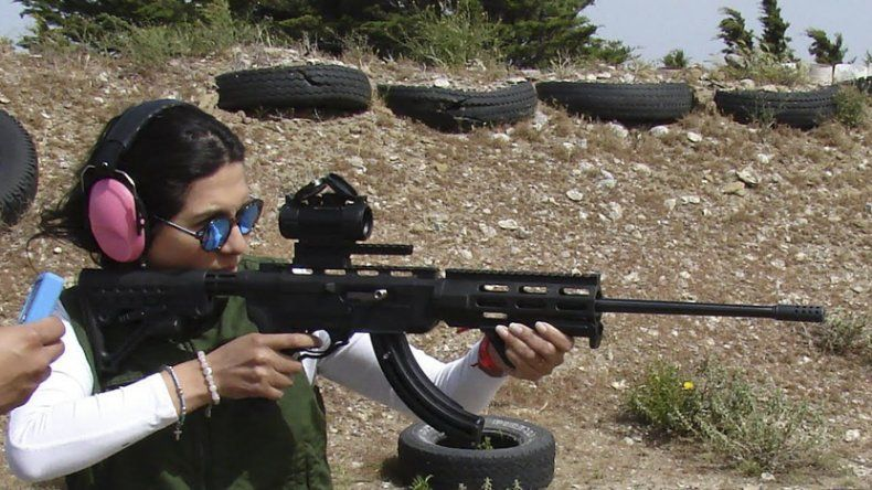 Nancy Mariscal fue primera y única competidora en la división Pistola Calibre 22.