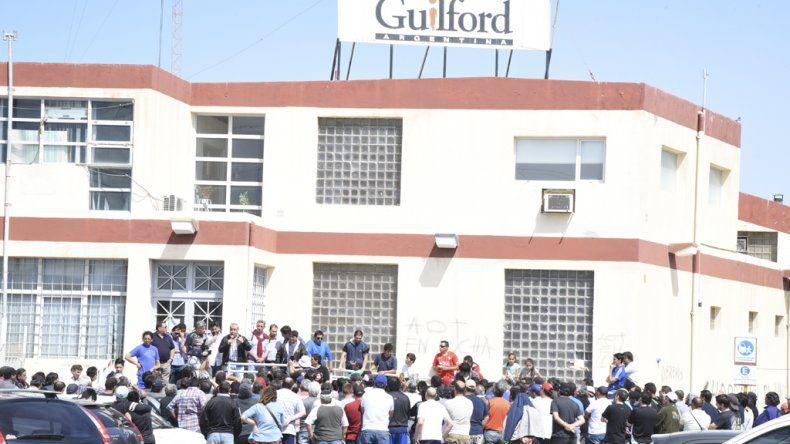 En Guilford continúa la incertidumbre. Hoy habrá otro viaje a Buenos Aires para buscar respuestas.