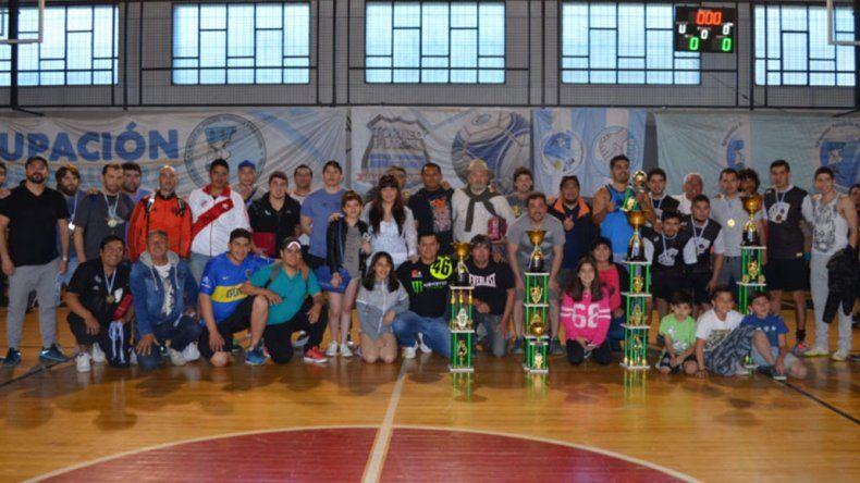 La familia de los Petroleros Jerárquicos finalizaron un torneo que tuvo más de tres meses de competencia.
