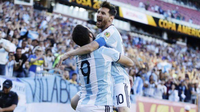 Messi e Higuaín confirmados para enfrentar a Brasil