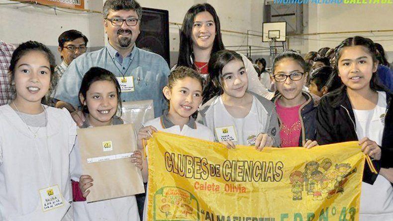 En el cierre de la primera etapa del proyecto Aulas Abiertas se entregaron diplomas y presentes recordatorios a alumnos y docentes de diversas escuelas.