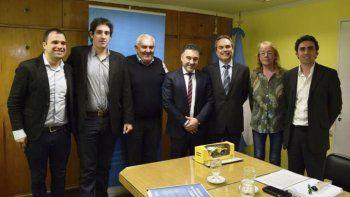 Funcionarios del Gobierno provincial se reunieron con el gerente de la empresa Atlas Copco para firmar un convenio que posibilite el dictado de cursos de formación en minería y pasantías rentadas.
