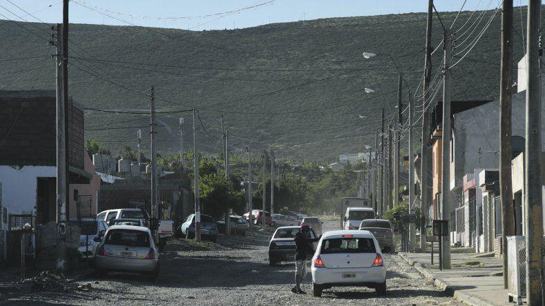 La calle 552 del barrio San Cayetano donde durante la tarde del lunes se produjo un nuevo intento de rapto.