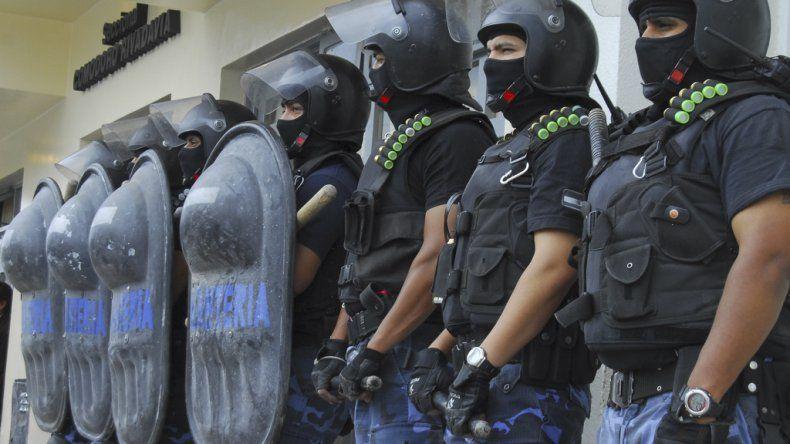 Ya se conocen algunos nombres de policías destituidos, entre ellos dos de Comodoro