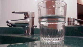 este mediodia regresaria el agua a los barrios afectados