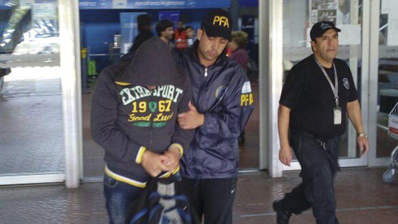 Romero llegó ayer a Comodoro custodiado y vía aérea desde Corrientes en donde fue detenido por enviar encomiendas con droga a su madre a Puerto San Julián.