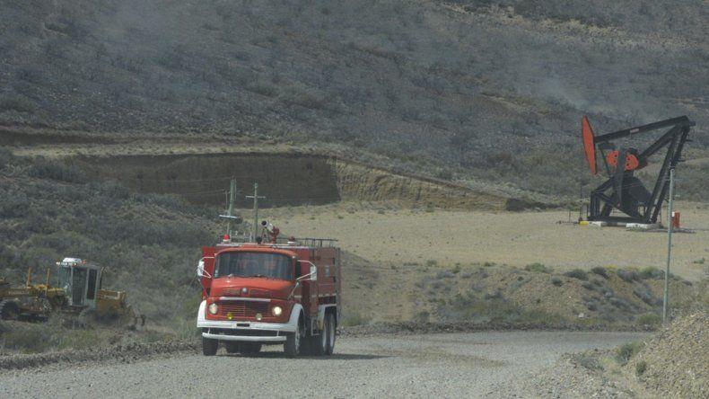 Las unidades de bomberos permanecieron en el área afectada varias horas