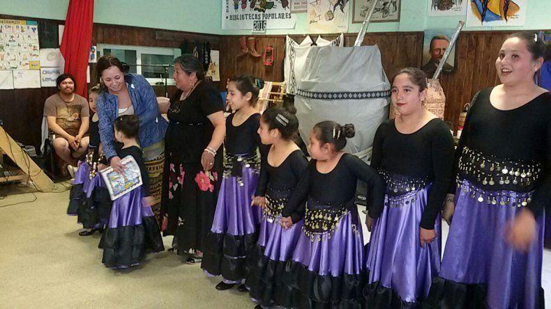 El taller de flamenco fue una de las propuestas de la tarde sabatina.