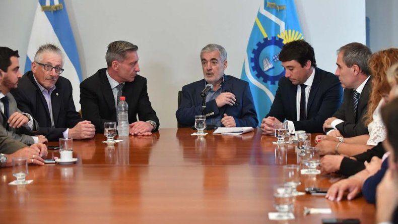 Das Neves exige a Nación que el impuesto a las ganancias de chubutenses sea coparticipable