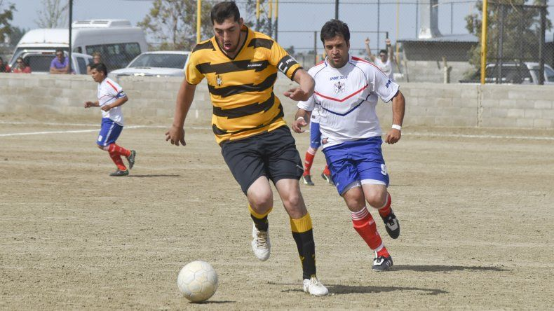 Rada Tilly viene de golear 5-2 a Argentinos Diadema.