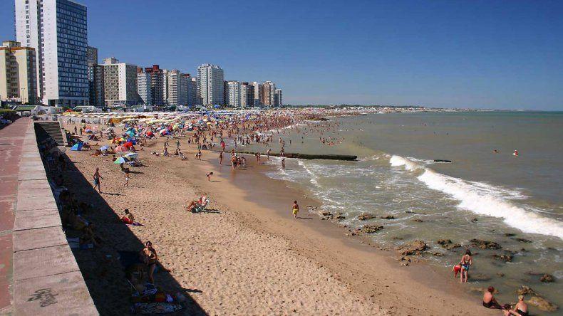 Las playas bonaerenses planean atraer a más turistas este año con promociones y previendo que no serán tan competitivos los precios en Brasil.