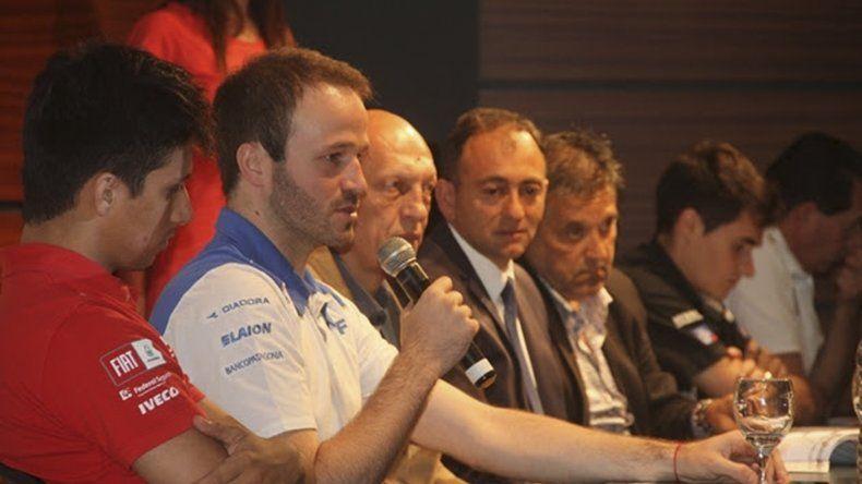 Agustín Canapino conversa con la prensa durante la presentación del Gran Premio Coronación del Súper TC2000.