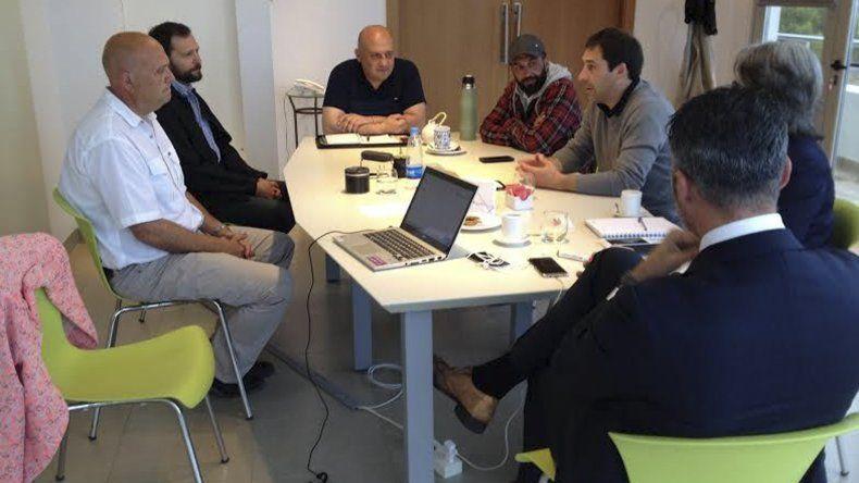 En la reunión se destacó la posibilidad de alimentar con energía limpia a amplios sectores del Stella Maris