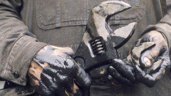 La disminución del  empleo golpea duro a las provincias petroleras
