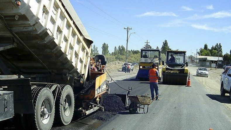 Vialidad provincial supervisa el avance  de la repavimentación de la Ruta 1