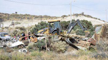 Desalojaron a una familia de gitanos en zona norte
