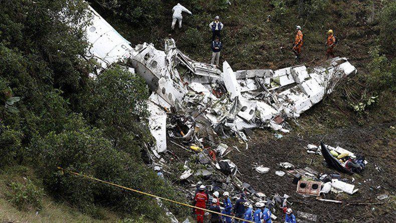 Empiezan a surgir las hipótesis más firmes sobre la tragedia aérea.