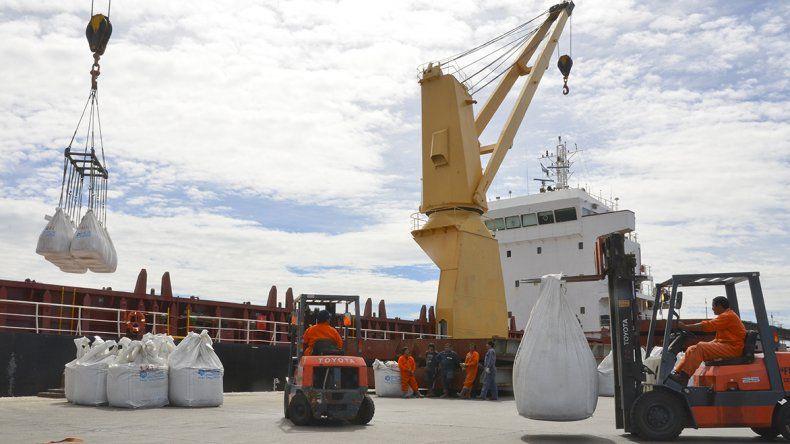 En el Senado hay un proyecto que pide fijar por ley los reembolsos por puertos.