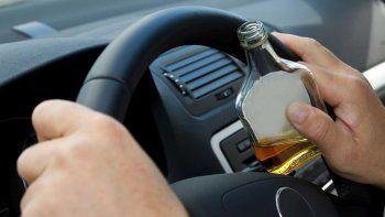 Multan a 5 padres alcoholizados que iban con sus hijos