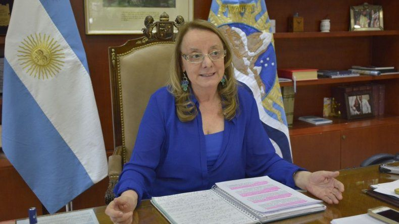 Alicia Kirchner asignó $5 mil a 1.299 trabajadores desocupados de UOCRA