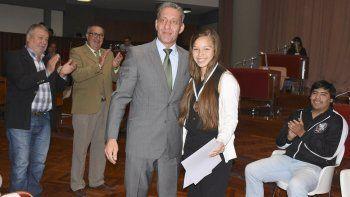 El vicegobernador Mariano Arcioni y los diputados provinciales distinguieron ayer a la comodorense Leila Ramos