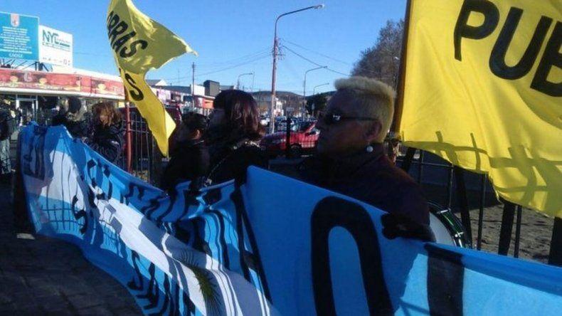 Municipales de Caleta Olivia inician un paro total de actividades