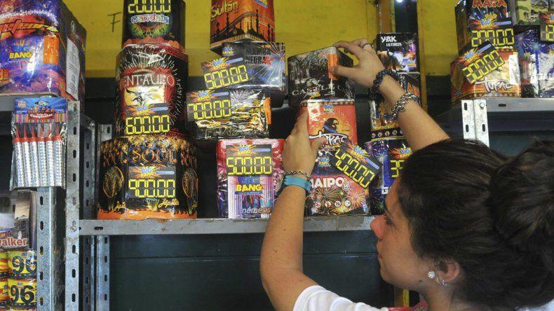 El municipio controlará que la venta de pirotecnia sólo se realice en locales autorizados.