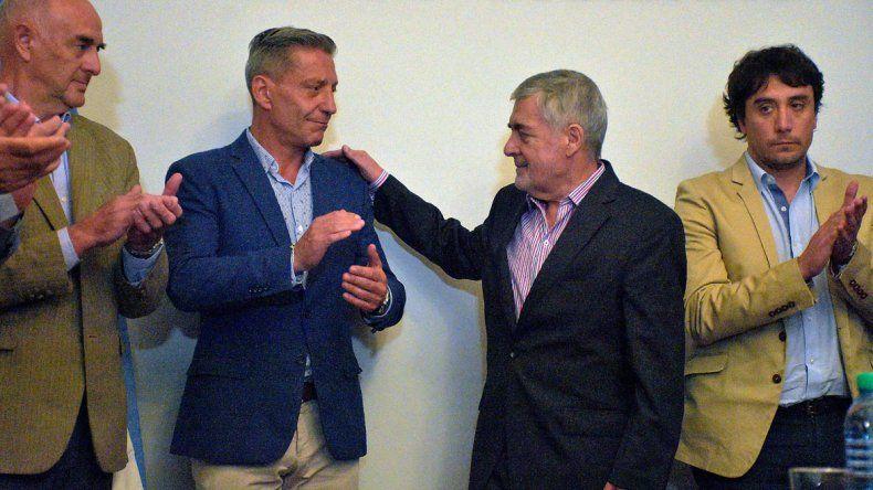 El gobernador Mario Das Neves ayer delegó el mando al vicegobernador Mariano Arcioni