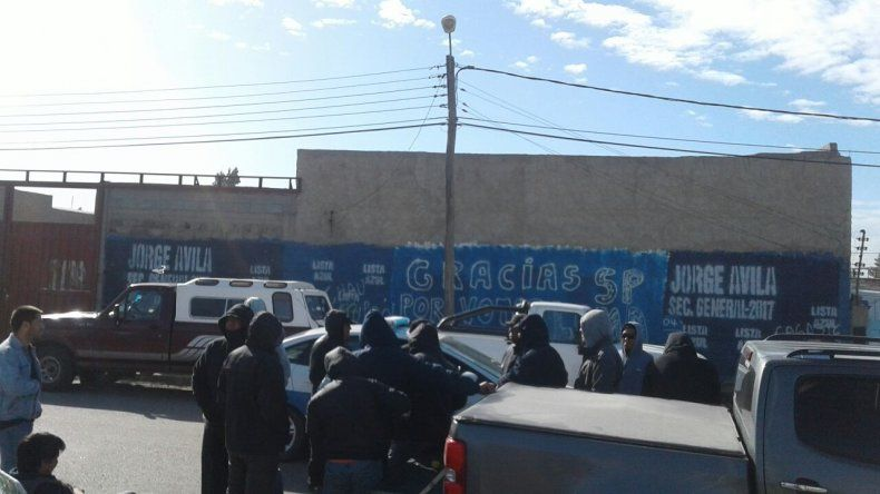 Tercer día de protesta en la base de SP en el Industrial