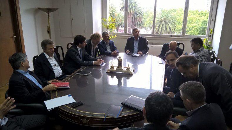 Crisis Petrolera: la próxima semana continuarán las reuniones en Buenos Aires