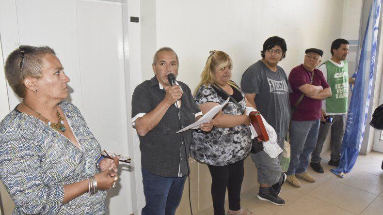 Los trabajadores de la salud pública realizaron ayer una asamblea en el Hospital Regional.
