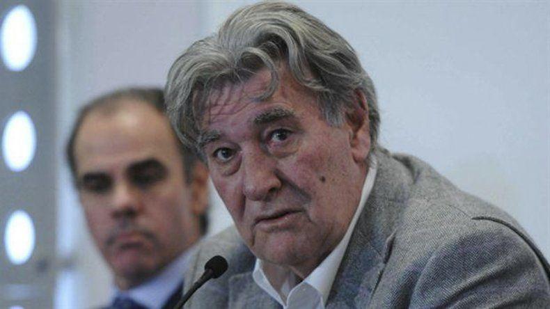 Armando Pérez se encuentra internado en delicado estado de salud.
