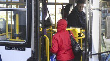 En enero se viene una nueva suba del boleto del transporte urbano.