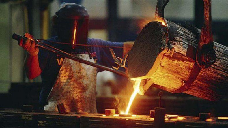 Industria y construcción profundizan sus caídas.